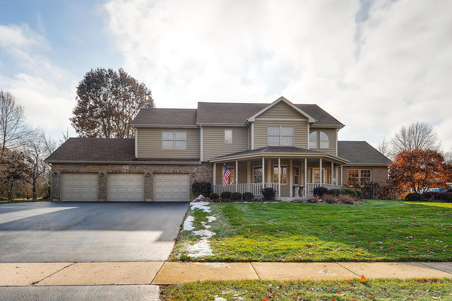 Photo for 1201 Cougar Trail, Cary, IL 60013 (MLS # 10580101)