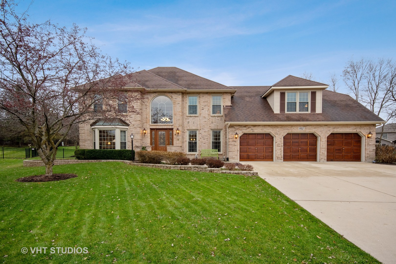 Photo for 810 Rotolo Court, Batavia, IL 60510 (MLS # 10583878)