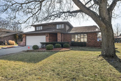 Photo of 16W683 89th Place, Willowbrook, IL 60527 (MLS # 10597408)