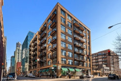 Photo of 625 W Jackson Boulevard, Unit Number 302, Chicago, IL 60661 (MLS # 10605941)