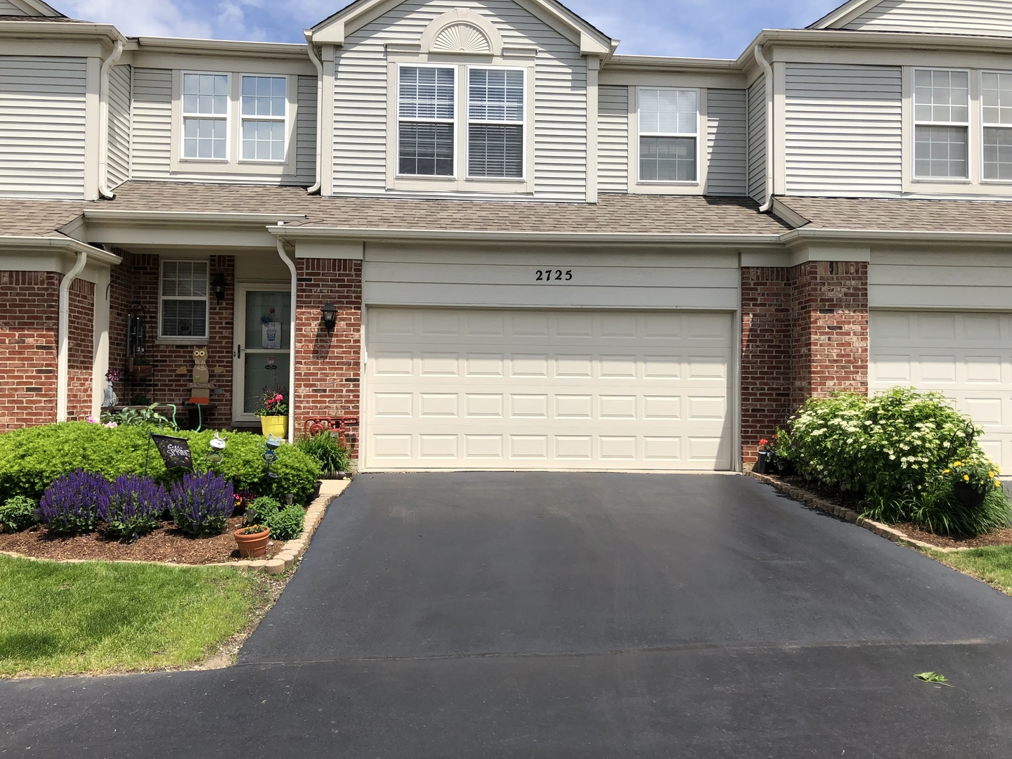 Photo for 2725 Bay View Circle, Algonquin, IL 60102 (MLS # 10607985)