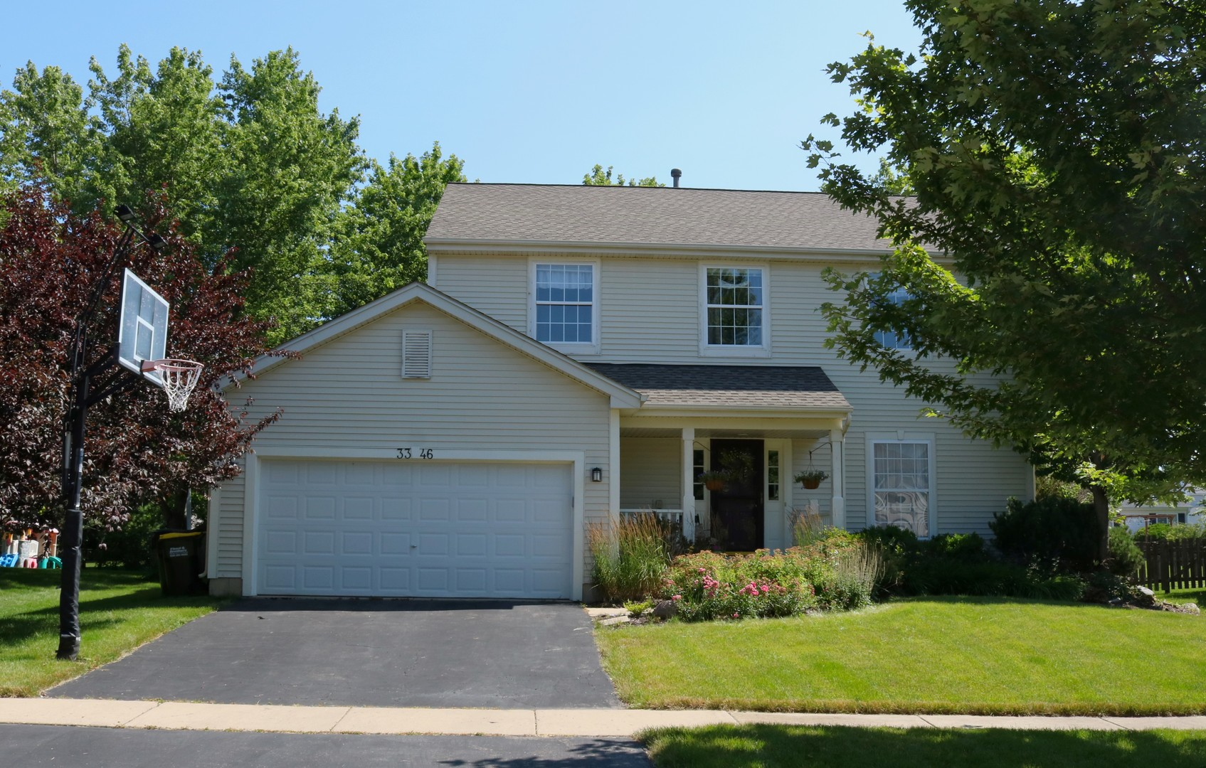 Photo for 3346 Montgomery Drive, Lake In The Hills, IL 60156 (MLS # 10608443)