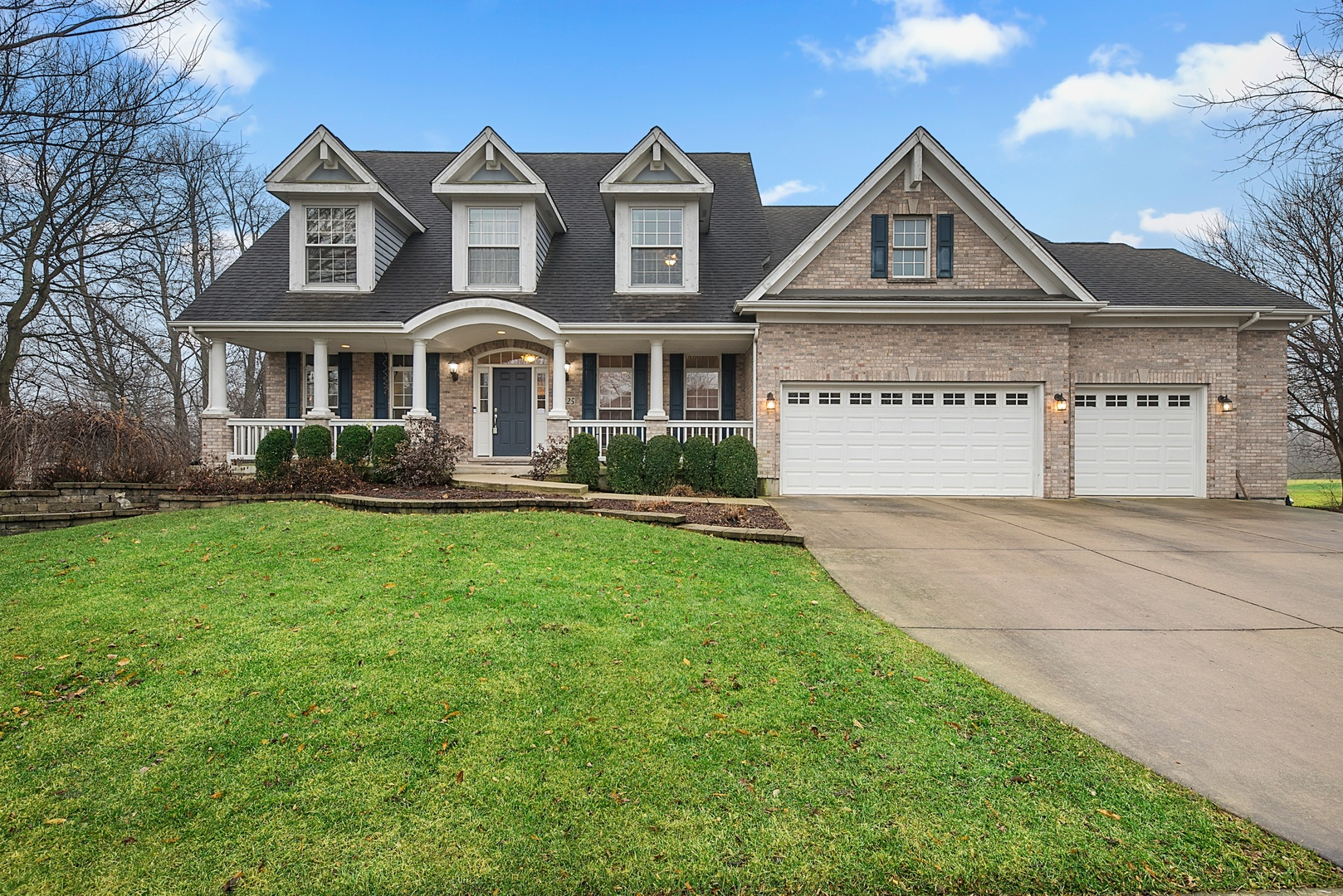 Photo for 3425 Majestic Oaks Drive, St. Charles, IL 60174 (MLS # 10608816)