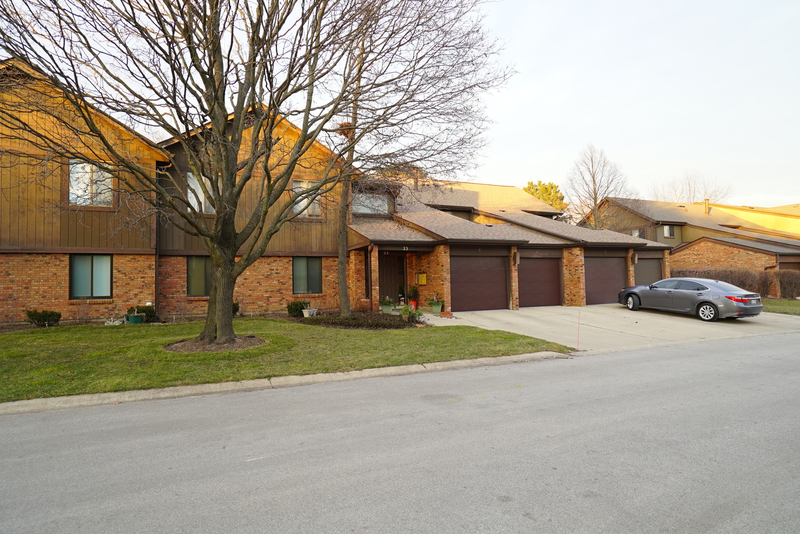 Photo for 23 Creekside Circle, Unit Number D, Elgin, IL 60123 (MLS # 10608825)