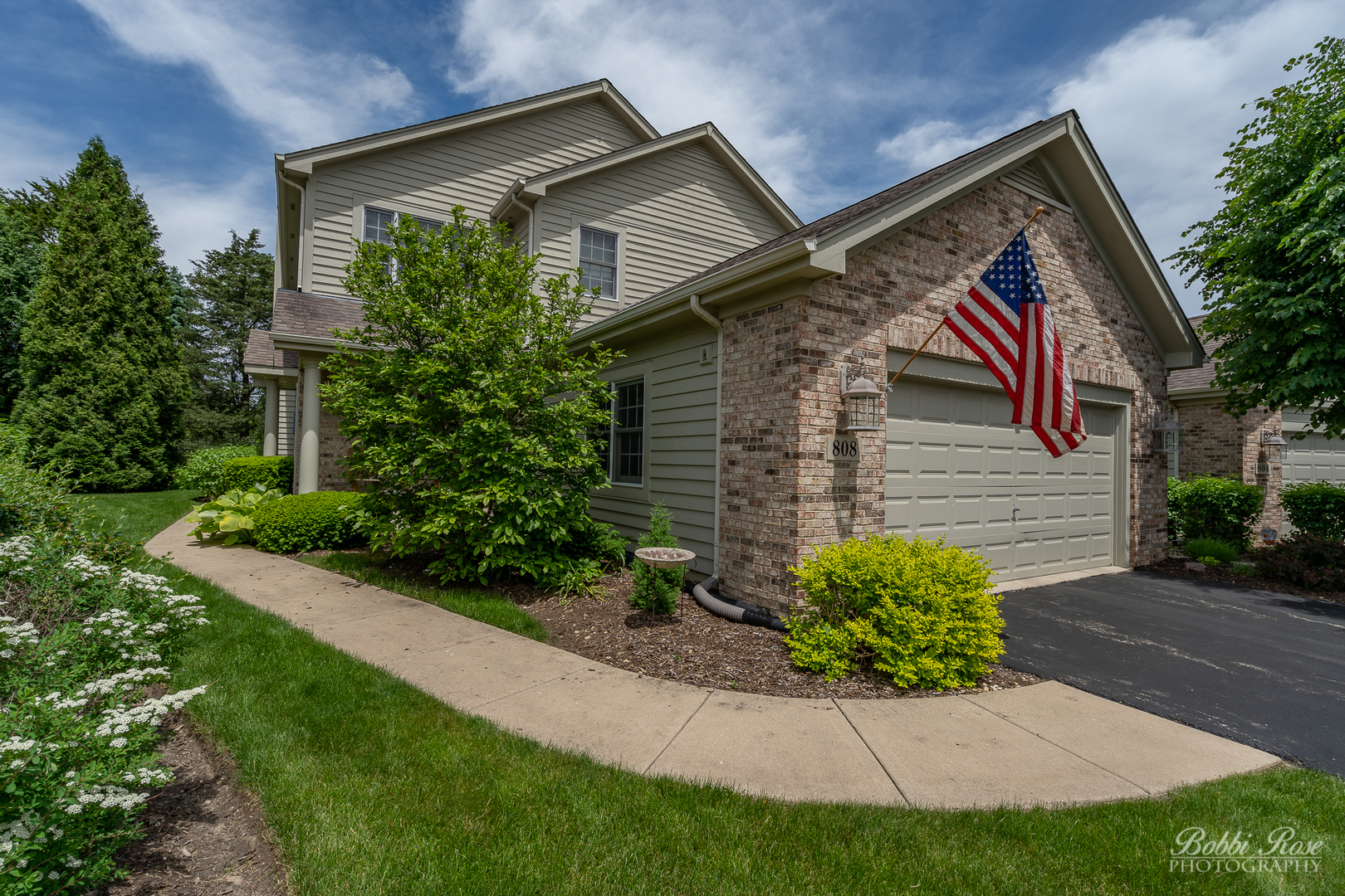 Photo for 808 Villa Drive, Crystal Lake, IL 60014 (MLS # 10609893)