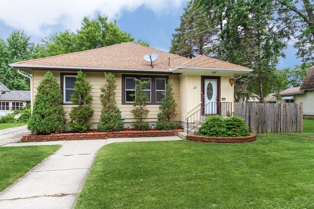Photo for 632 Grand Avenue, Elgin, IL 60120 (MLS # 10609969)