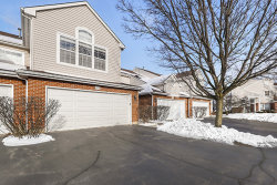 Photo of 808 Old Checker Road, Buffalo Grove, IL 60089 (MLS # 10610152)