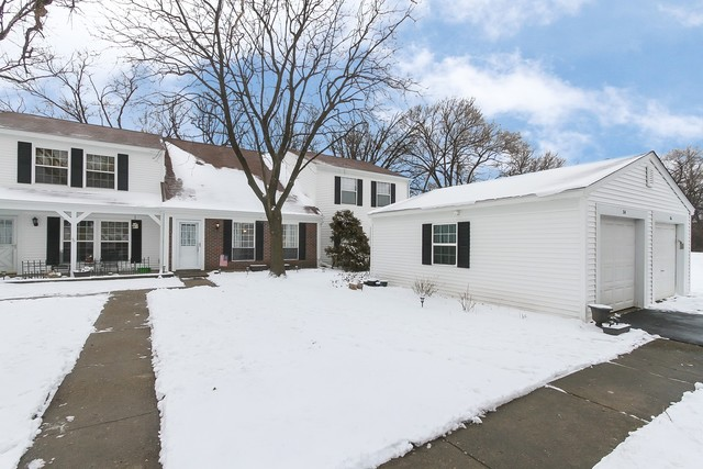 Photo for 24 Oak Valley Drive, Cary, IL 60013 (MLS # 10610862)