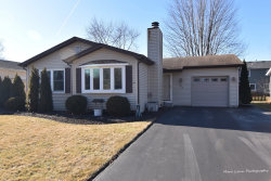 Photo of 302 Pin Oak Drive, North Aurora, IL 60542 (MLS # 10613373)