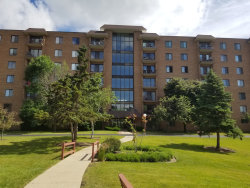 Photo of 1717 W Crystal Lane, Unit Number 701, Mount Prospect, IL 60056 (MLS # 10614811)