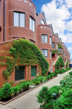 Photo of 410 W Wisconsin Street, Unit Number E, Chicago, IL 60614 (MLS # 10618460)