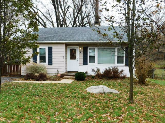 Photo for 4 Hawthorne Road, Lake In The Hills, IL 60156 (MLS # 10630028)