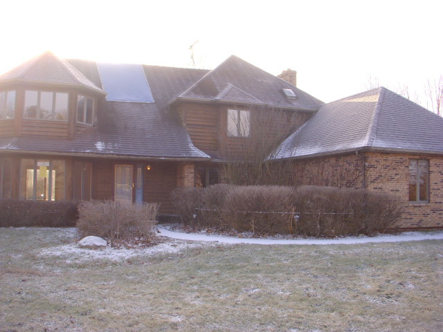 Photo for 6N131 Old Homestead Road, St. Charles, IL 60175 (MLS # 10633098)