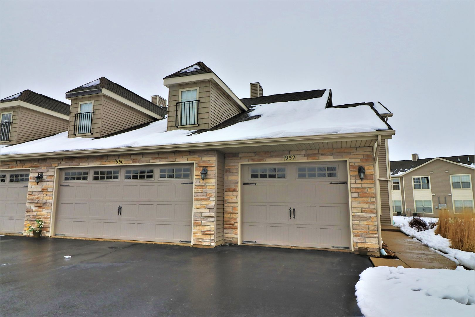 Photo for 950 Arvle Circle, Unit Number 0, Sycamore, IL 60178 (MLS # 10634464)