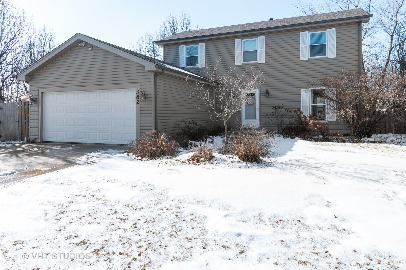 Photo for 382 Country Lane, Algonquin, IL 60102 (MLS # 10635784)