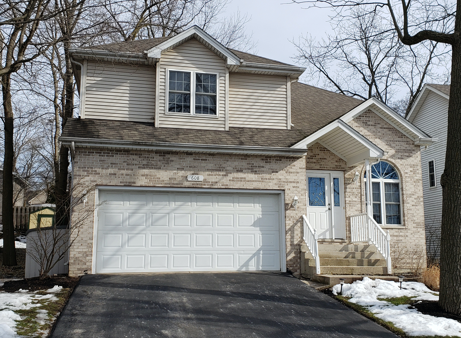 Photo for 608 S 4th Avenue, St. Charles, IL 60174 (MLS # 10636576)