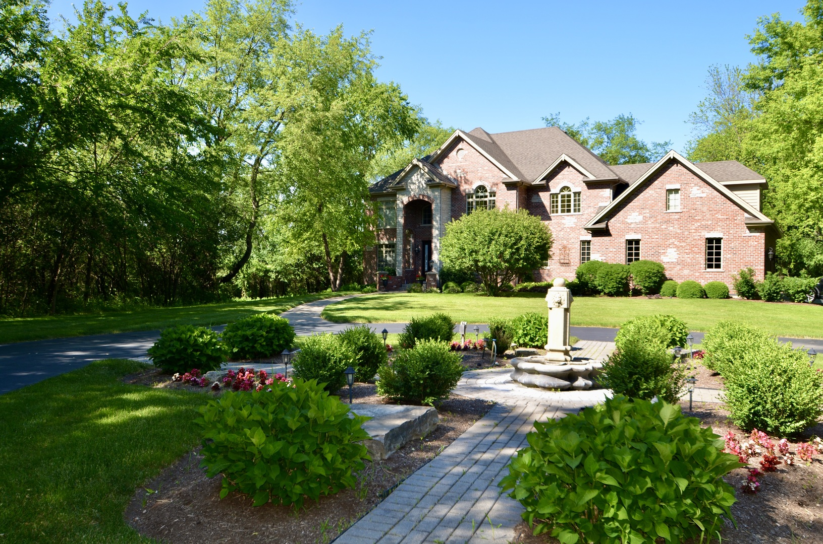 Photo for 3504 S Country Club Road, Woodstock, IL 60098 (MLS # 10636644)