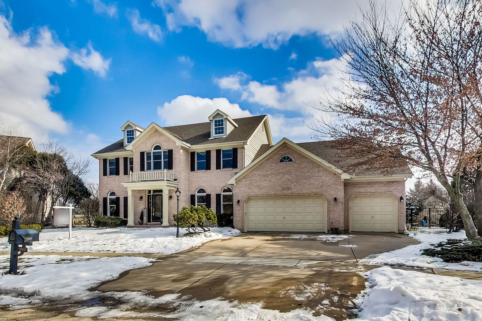 Photo for 2006 Bridle Court, St. Charles, IL 60174 (MLS # 10637490)