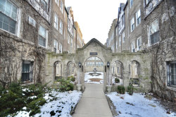 Photo of 2327 W Farwell Avenue, Unit Number 1S, Chicago, IL 60645 (MLS # 10639328)