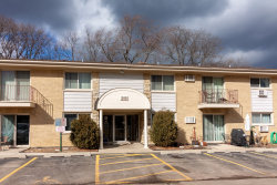 Photo of 500 Chase Drive, Unit Number 12, Clarendon Hills, IL 60514 (MLS # 10640072)