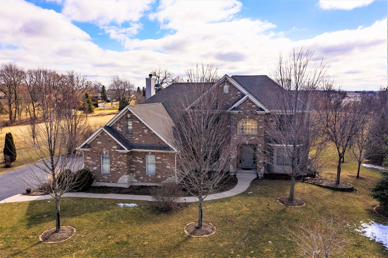 Photo for 19N079 Woodview Parkway, Hampshire, IL 60140 (MLS # 10659591)