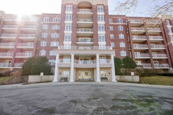 Photo of 7061 W Touhy Avenue, Unit Number 406, Niles, IL 60714 (MLS # 10671067)