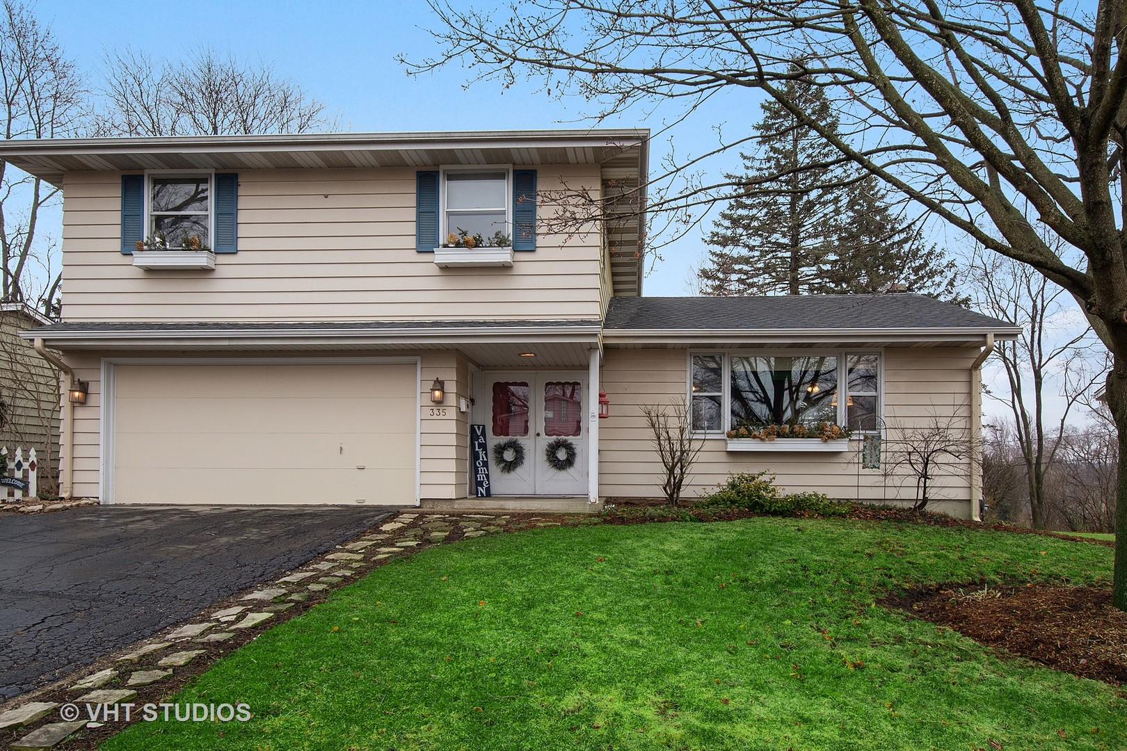 Photo for 335 W Margaret Terrace, Cary, IL 60013 (MLS # 10671128)