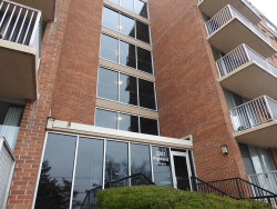 Photo of 2201 S Highland Avenue, Unit Number 3K, Lombard, IL 60148 (MLS # 10671724)