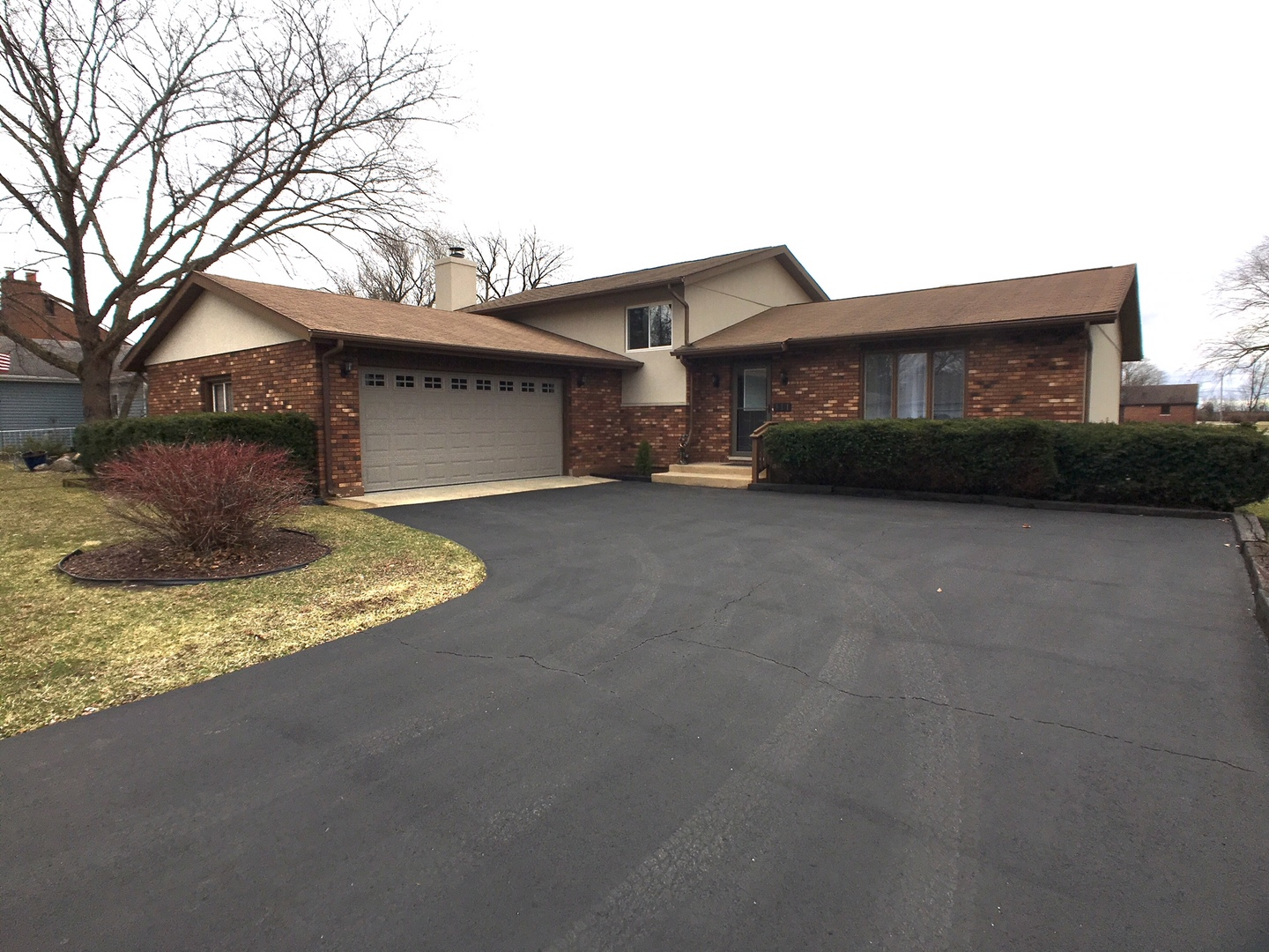 Photo for 311 Pearl Street, Cary, IL 60013 (MLS # 10673546)
