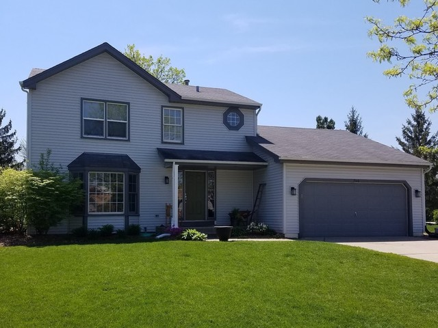Photo for 700 Regent Drive, Crystal Lake, IL 60014 (MLS # 10676950)