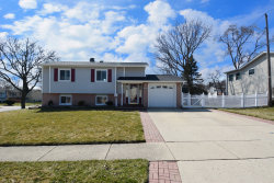 Photo of 681 Dickens Avenue, Glendale Heights, IL 60139 (MLS # 10677166)
