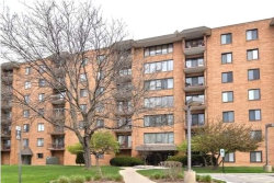Photo of 1747 W Crystal Lane, Unit Number 503, Mount Prospect, IL 60056 (MLS # 10677573)