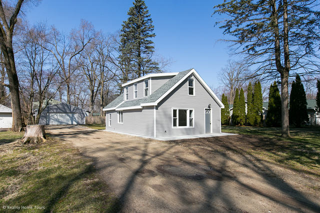Photo for 521 Victor Place, Algonquin, IL 60102 (MLS # 10678031)