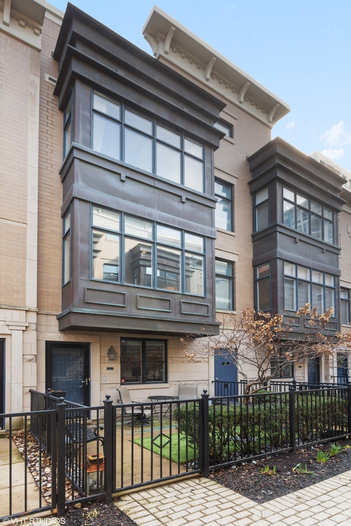 Photo of 1830 S Indiana Avenue, Unit Number D, Chicago, IL 60616 (MLS # 10678079)