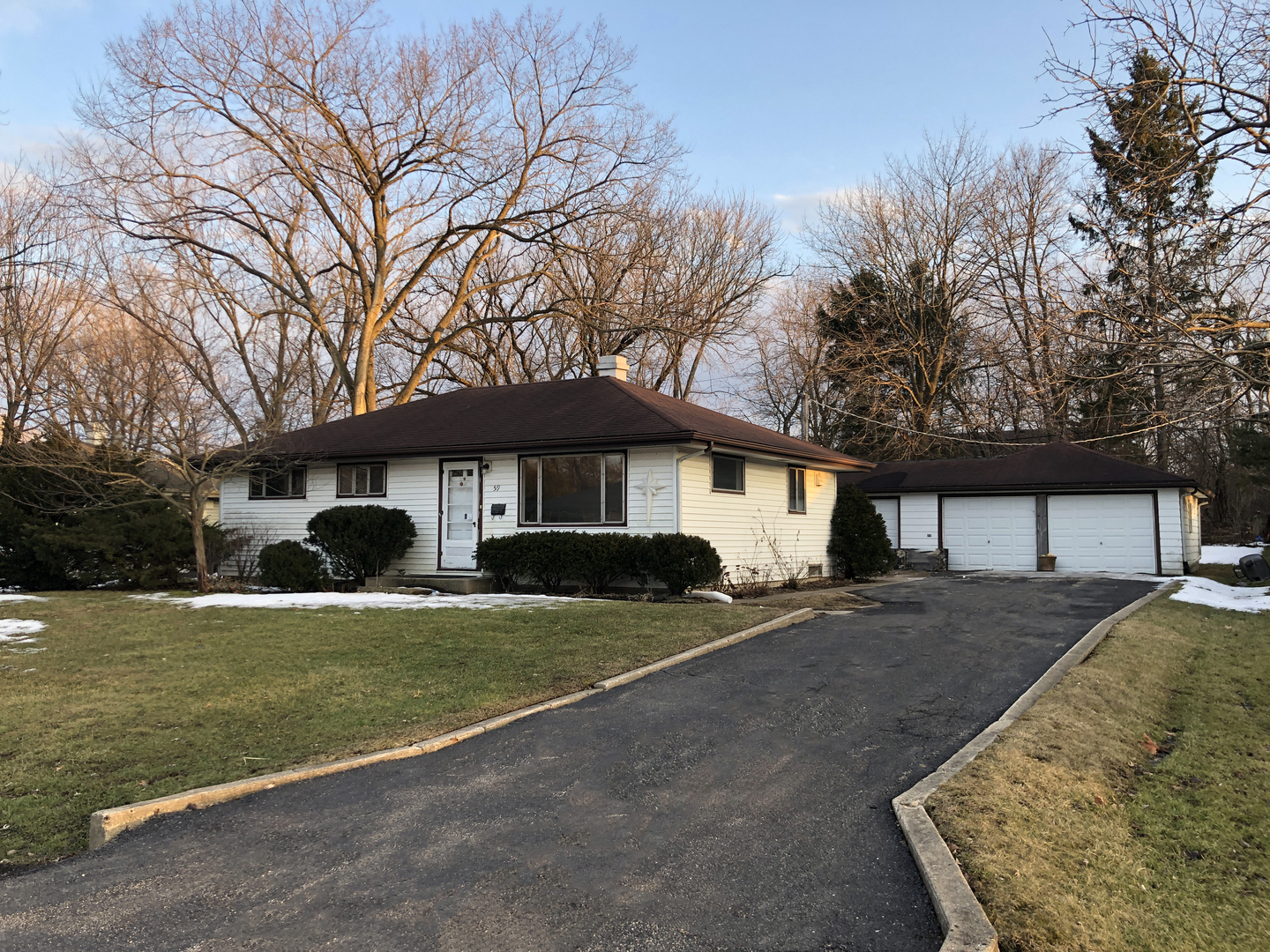 Photo of 59 Golfview Road, Lake Zurich, IL 60047 (MLS # 10678088)