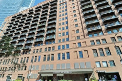 Photo of 165 N Canal Street, Unit Number 1105, Chicago, IL 60606 (MLS # 10679629)