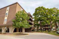 Photo of 1321 S Finley Road, Unit Number 421, Lombard, IL 60148 (MLS # 10680685)