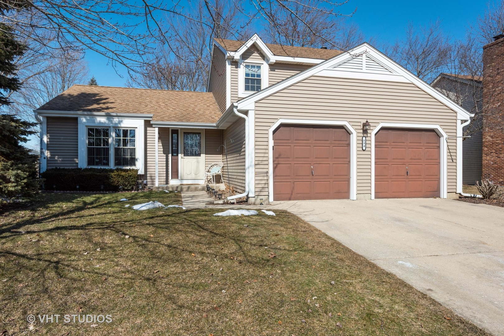 Photo for 894 Boxwood Drive, Crystal Lake, IL 60014 (MLS # 10684270)