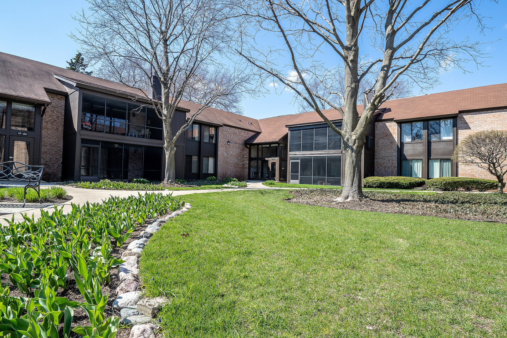 Photo for 710 Saint Andrews Lane, Unit Number 10, Crystal Lake, IL 60014 (MLS # 10693393)