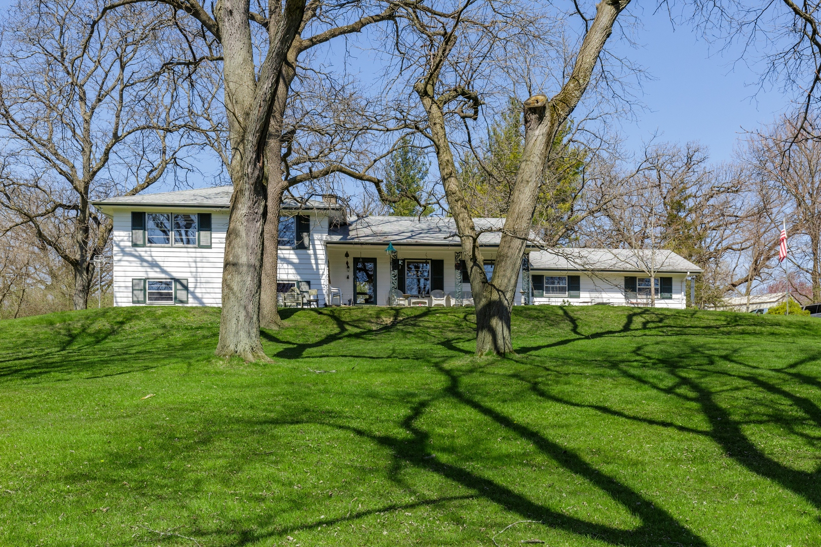 Photo for 18N642 Westhill Road, Dundee, IL 60118 (MLS # 10694776)