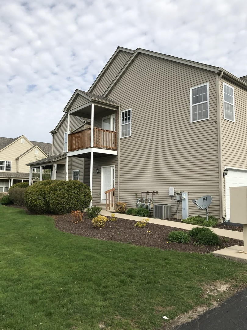 Photo for 511 Stonegate Drive, Unit Number 0, Sycamore, IL 60178 (MLS # 10709025)