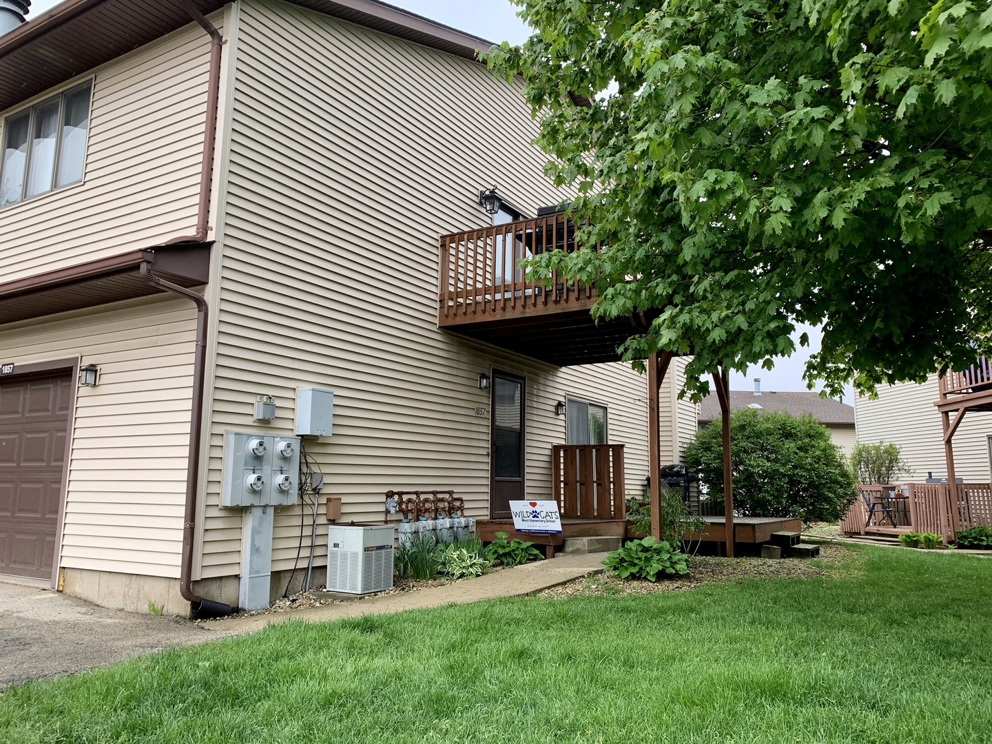 Photo for 1857 Kerrybrook Court, Unit Number 1857, Sycamore, IL 60178 (MLS # 10718432)