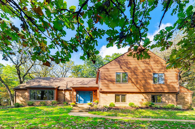 Photo for 1313 Chatham Lane, Woodstock, IL 60098 (MLS # 10718577)