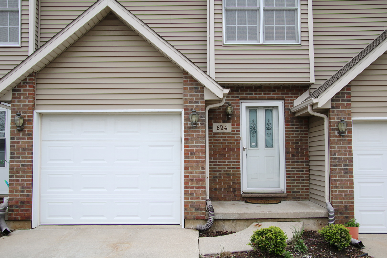 Photo for 624 S Peace Road, Unit Number 624, Sycamore, IL 60178 (MLS # 10719859)