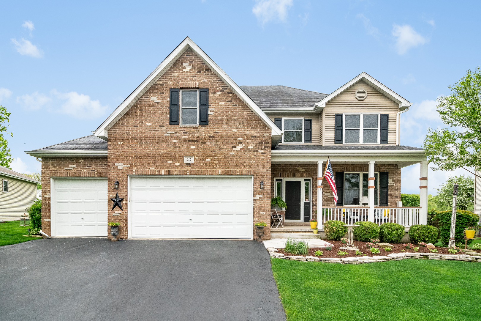 Photo for 912 Wells Drive, Sycamore, IL 60178 (MLS # 10720035)