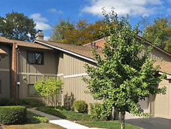 Photo of 2S424 Emerald Green Drive, Unit Number 42-C, Warrenville, IL 60555 (MLS # 10721979)