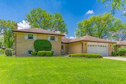 Photo of 805 E Golfview Drive, Mount Prospect, IL 60056 (MLS # 10731152)