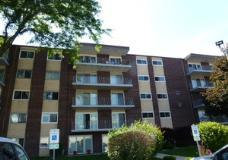 Photo of 2900 Maple Avenue, Unit Number 14B, Downers Grove, IL 60515 (MLS # 10769757)