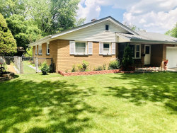Photo of 928 Sioux Drive, Elgin, IL 60120 (MLS # 10773097)