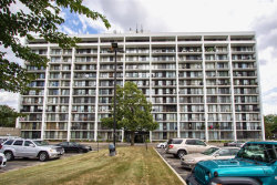 Photo of 2005 S Finley Road, Unit Number 301, Lombard, IL 60148 (MLS # 10810651)